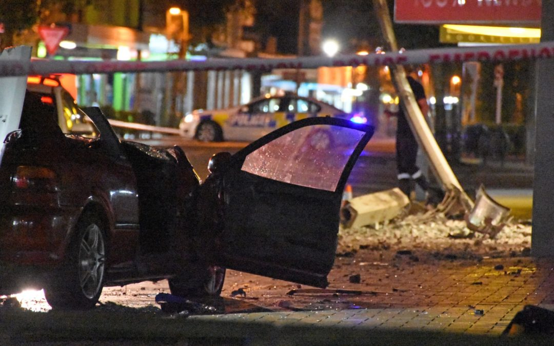 Police cleared over crash deaths