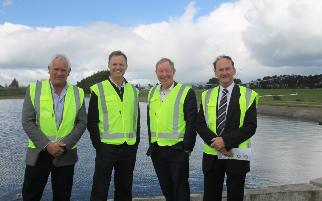 Smith praises water project