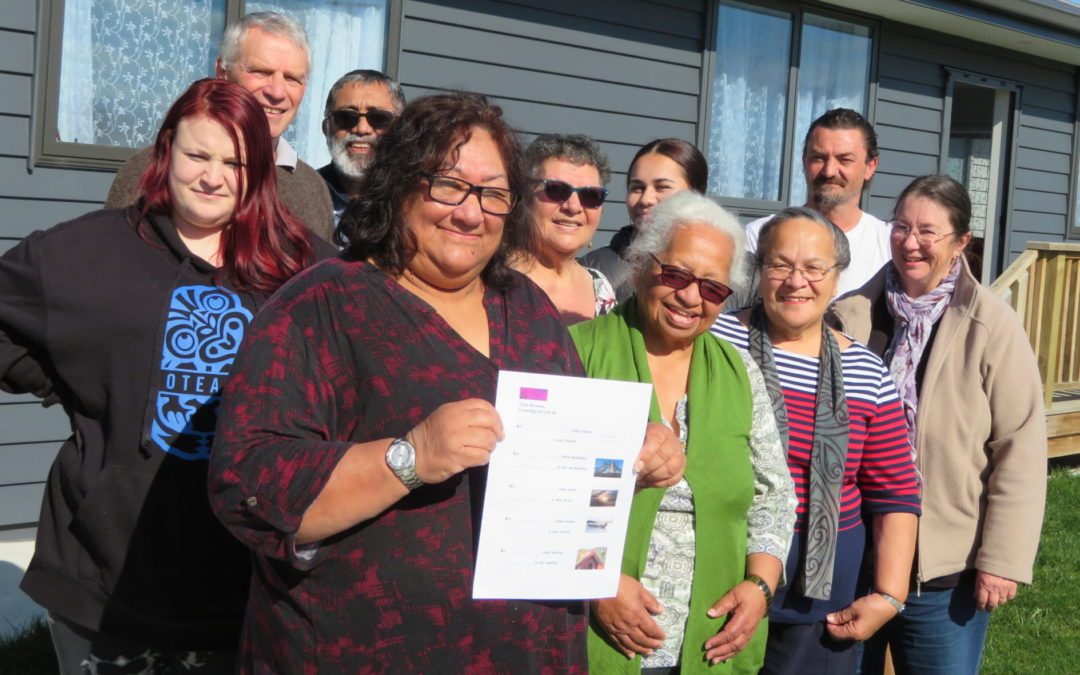Te reo brings neighbours together to learn
